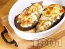 Рецепта Вегетариански пълнени патладжани на лодки с киноа, нахут, билки и сирене моцарела печени на фурна